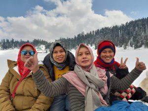 Perjalanan ke Kashmir yang Tidak Mudah dan Penuh Warna